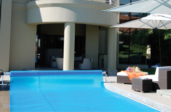 swimming-pool-solar-blankets